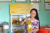 Succès : une femme transforme des ordures en produit nettoyant