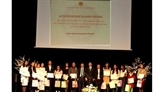 Cérémonie en l'honneur des Vietnamiens brillants en République tchèque
