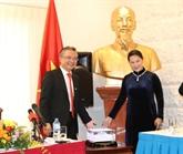 La présidente de l'Assemblée nationale rencontre des Vietnamiens en Australie