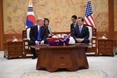 Moon Jae-in accueille Donald Trump dans une base militaire américaine en Corée du Sud