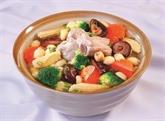 Soupe aux légumes et travers de porc