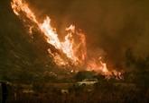 Los Angeles atteinte par les flammes, plus de 200.000 évacués