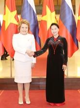 Renforcer les relations entre les deux organes législatifs Vietnam-Russie