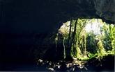 Des objets préhistoriques découverts dans les grottes volcaniques à Dak Nông