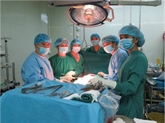 Succès d'une première transplantation croisée de reins au Vietnam