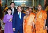Nguyên Xuân Phuc poursuit ses activités au Cambodge