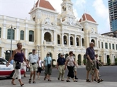 Hausse continue du nombre de touristes étrangers au Vietnam en quatre mois