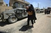 Sur le front de Mossoul, les militaires arrivent, les civils partent