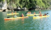 Quang Ninh reprend les services de kayaking en baie de Ha Long