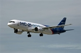 Premier vol du moyen-courrier russe MC-21, futur concurrent d'Airbus et Boeing