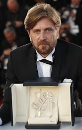 Cannes : une satire suédoise rafle la Palme d'or à la surprise générale
