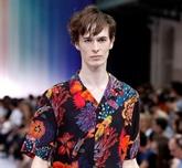 Fashion Week parisienne : des hommes en jambes