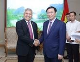Le vice-Premier ministre Vuong Dinh Huê rencontre des diplomates étrangers