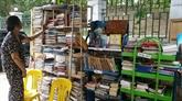 Bibliothèque de rue de Mme Huyên Dung, lieu de rencontre des amoureux de littérature