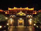 L'ancienne Cité impériale revêt son habit de lumière