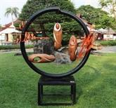 Exposition de sculptures dans un parc à Hô Chi Minh-Ville