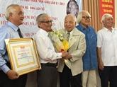 Le Professeur Phan Huy Lê lauréat du prix Trân Văn Giàu 2017