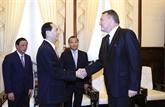Le président vietnamien salue les contributions de l'ambassadeur slovaque