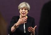 Theresa May au Japon pour tenter de rassurer sur le Brexit