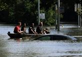 Texas : les évacuations se poursuivent malgré une lente décrue des eaux