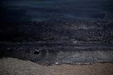 Grèce : pollution à Salamine par le naufrage d'un pétrolier