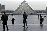 Attaque contre un militaire à Paris : l'agresseur mis en examen et écroué