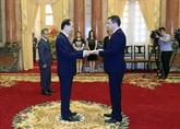 Le président Trân Dai Quang salue de nouveaux ambassadeurs