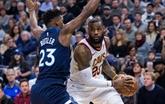 NBA : Cleveland s'enfonce, Golden State rebondit