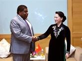 La présidente de l'AN vietnamienne reçoit un dirigeant de l'UIP