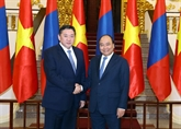 Le Premier ministre Nguyên Xuân Phuc reçoit le président du Grand Khoural d'État de la Mongolie