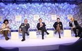 Poursuite des activités du vice-Premier ministre Vuong Dinh Huê à Davos