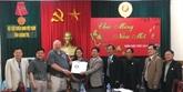 Des vétérans américains remettent des documents sur les restes des martyrs à Quang Tri