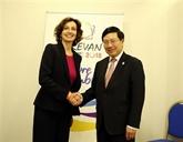 Le Vietnam resserre les relations avec des pays membres de l'OIF