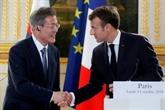 Corées: Macron demande des