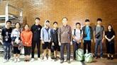 Les dix étudiants vietnamiens bloqués à Palu emmenés à Jakarta