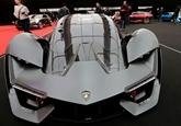 Le Mondial de l'auto à Paris: une industrie prospère mais menacée