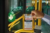 Hanoï expérimente le paiement par carte à puce dans les transports publics