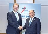 Rencontres bilatérales du Premier ministre Nguyên Xuân Phuc en marge de l'ASEM 12