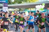 Plus de 2.600 sportifs courent à la découverte du patrimoine de Hanoï