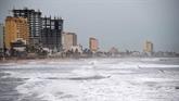 L'ouragan Willa, rétrogradé en catégorie 4, s'approche du Mexique