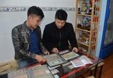 Un passionné de monnaies anciennes à Lâm Dông