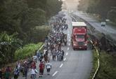 Les migrants honduriens reprennent leur marche vers les États-Unis