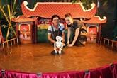 Le mini-théâtre de marionnettes sur l'eau de Phan Thanh Liêm séduit le public européen