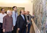 Le Premier ministre rend visite au Musée des beaux-arts du Vietnam