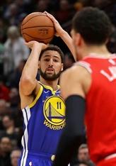 NBA: Klay Thompson bat le record de paniers à trois points face à Chicago
