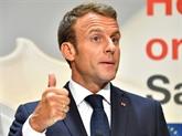 À Colombey, Macron loue la Ve République car elle