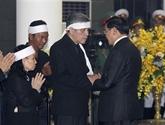 Les délégations étrangères rendent hommage à l'ancien secrétaire général Dô Muoi