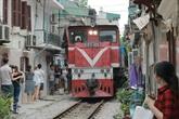 Une voie ferrée extraordinaire au cœur de Hanoï
