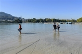 France: le niveau de l'eau du lac d'Annecy au plus bas depuis 70 ans