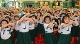Mille casques de moto offerts à des enfants lors de la Journée de la sécurité routière